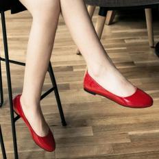 Kırmızı Rugan Yuvarlak Burun Bayan Babet Ayakkabı 2001