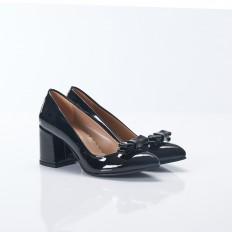 Siyah Fiyonklu Kısa Topuklu Sivri Burun Rugan Bayan Ayakkabı