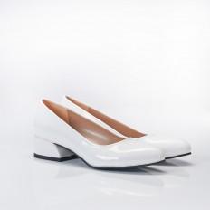 Beyaz Rugan Bayan Babet Ayakkabı 4040