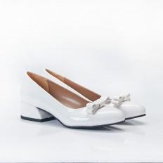 Fiyonklu Beyaz Rugan Bayan Babet Ayakkabı 4048