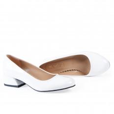 Yuvarlak Burunlu Beyaz Rugan Kadın Ayakkabı 7070