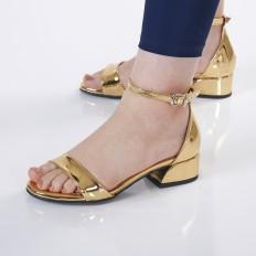 Kısa Topuklu Kadın Sandalet 5055